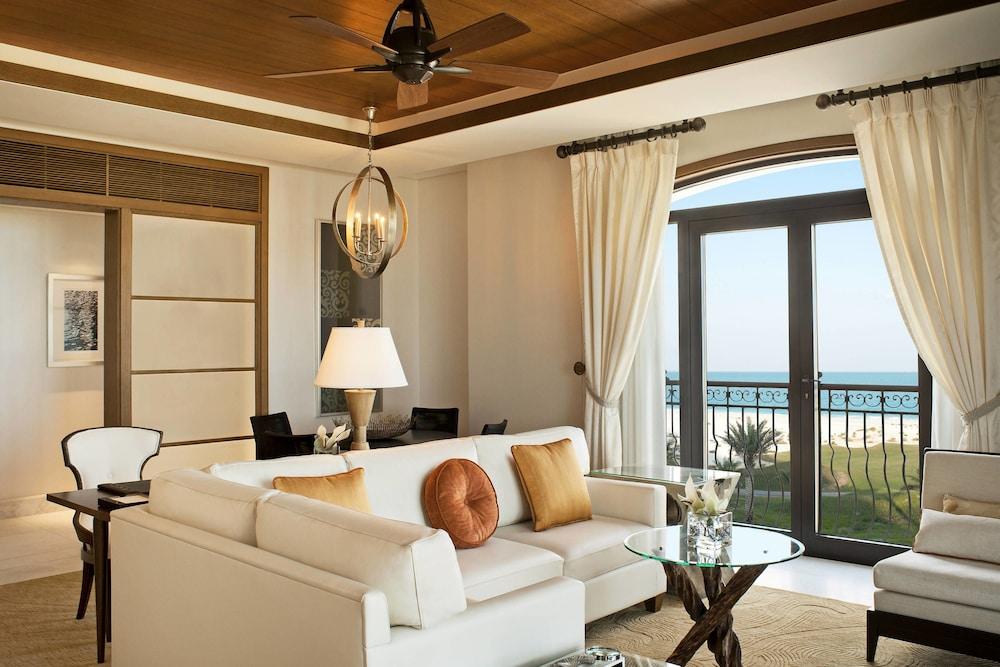 더 세인트 레기스 사디얏 아일랜드 리조트, 아부 다비(The St. Regis Saadiyat Island Resort, Abu Dhabi) Hotel Image 10 - Guestroom