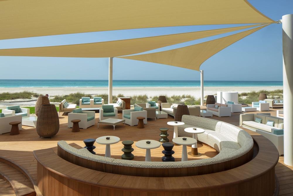 더 세인트 레기스 사디얏 아일랜드 리조트, 아부 다비(The St. Regis Saadiyat Island Resort, Abu Dhabi) Hotel Image 134 - Beach Bar