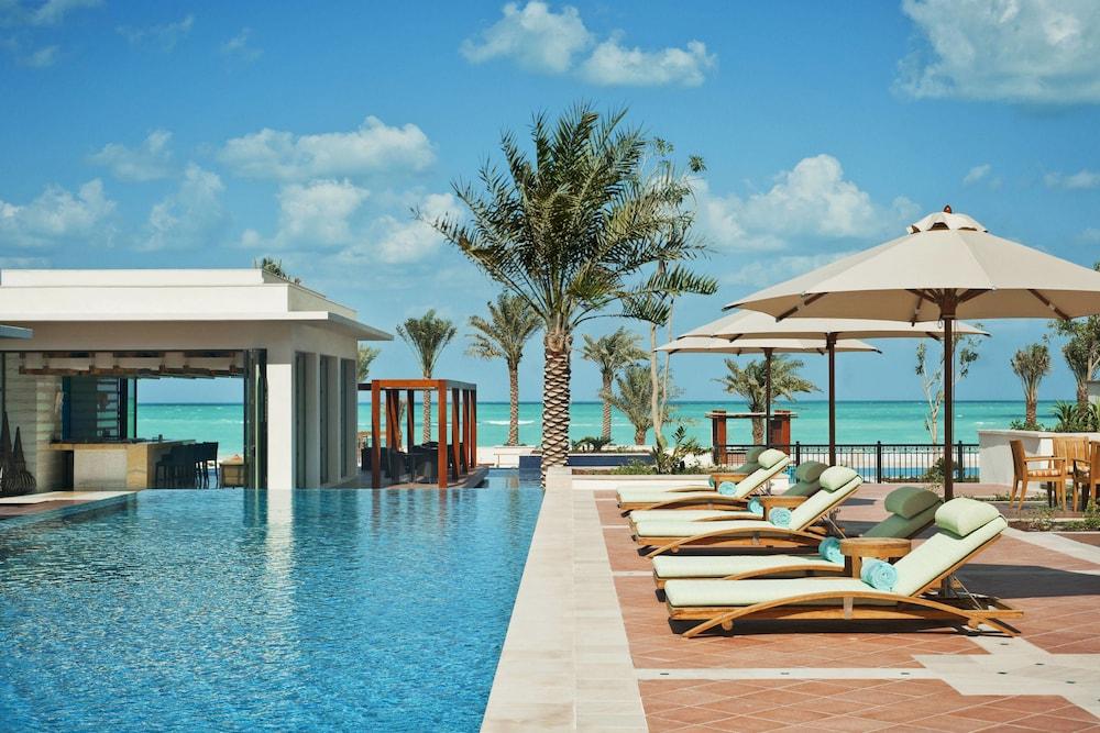더 세인트 레기스 사디얏 아일랜드 리조트, 아부 다비(The St. Regis Saadiyat Island Resort, Abu Dhabi) Hotel Image 1 - Pool