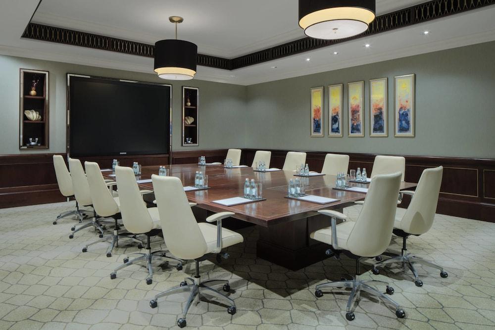 더 세인트 레기스 사디얏 아일랜드 리조트, 아부 다비(The St. Regis Saadiyat Island Resort, Abu Dhabi) Hotel Image 139 - Meeting Facility