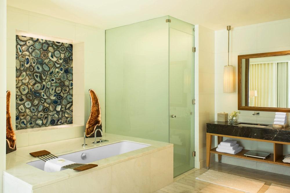 더 세인트 레기스 사디얏 아일랜드 리조트, 아부 다비(The St. Regis Saadiyat Island Resort, Abu Dhabi) Hotel Image 59 - Bathroom