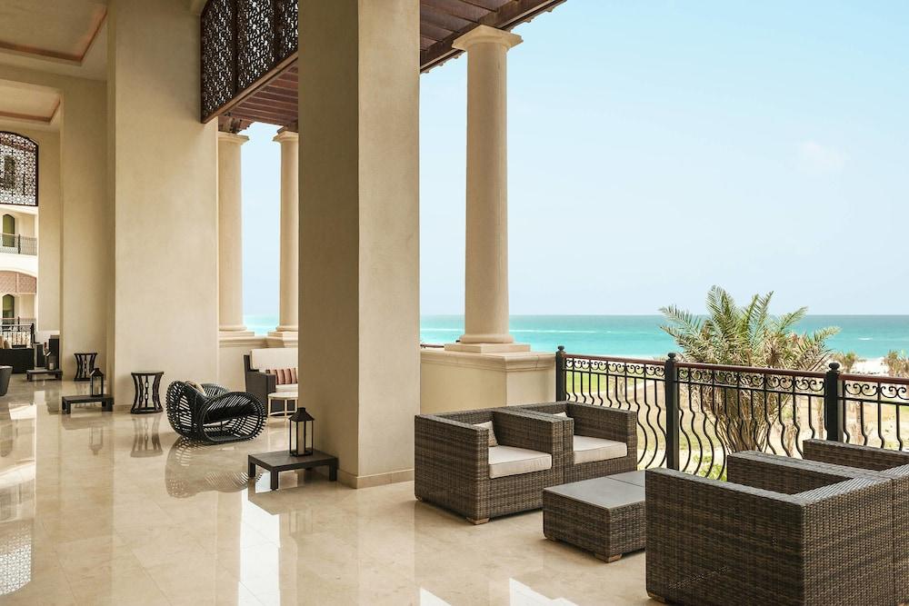 더 세인트 레기스 사디얏 아일랜드 리조트, 아부 다비(The St. Regis Saadiyat Island Resort, Abu Dhabi) Hotel Image 110 - Restaurant