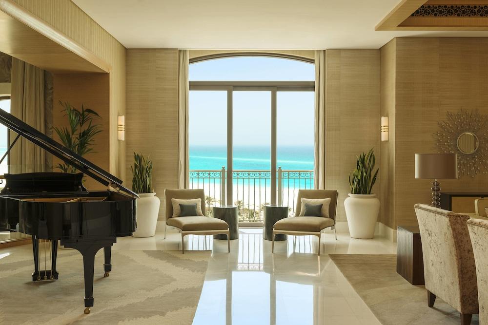더 세인트 레기스 사디얏 아일랜드 리조트, 아부 다비(The St. Regis Saadiyat Island Resort, Abu Dhabi) Hotel Image 52 - Guestroom View