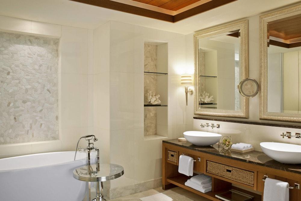 더 세인트 레기스 사디얏 아일랜드 리조트, 아부 다비(The St. Regis Saadiyat Island Resort, Abu Dhabi) Hotel Image 15 - Guestroom