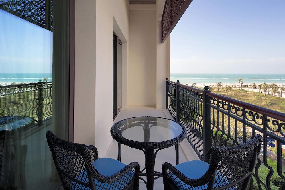 더 세인트 레기스 사디얏 아일랜드 리조트, 아부 다비(The St. Regis Saadiyat Island Resort, Abu Dhabi) Hotel Image 21 - Guestroom