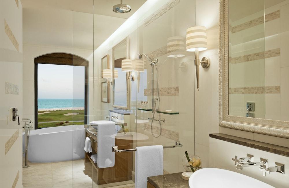 더 세인트 레기스 사디얏 아일랜드 리조트, 아부 다비(The St. Regis Saadiyat Island Resort, Abu Dhabi) Hotel Image 56 - Bathroom