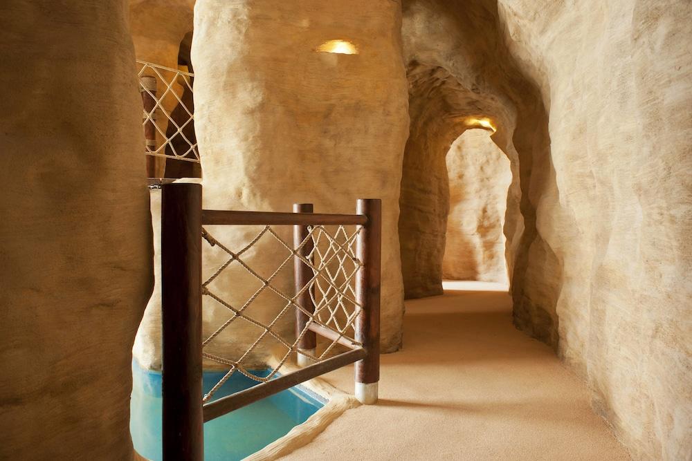 더 세인트 레기스 사디얏 아일랜드 리조트, 아부 다비(The St. Regis Saadiyat Island Resort, Abu Dhabi) Hotel Image 98 - Miscellaneous