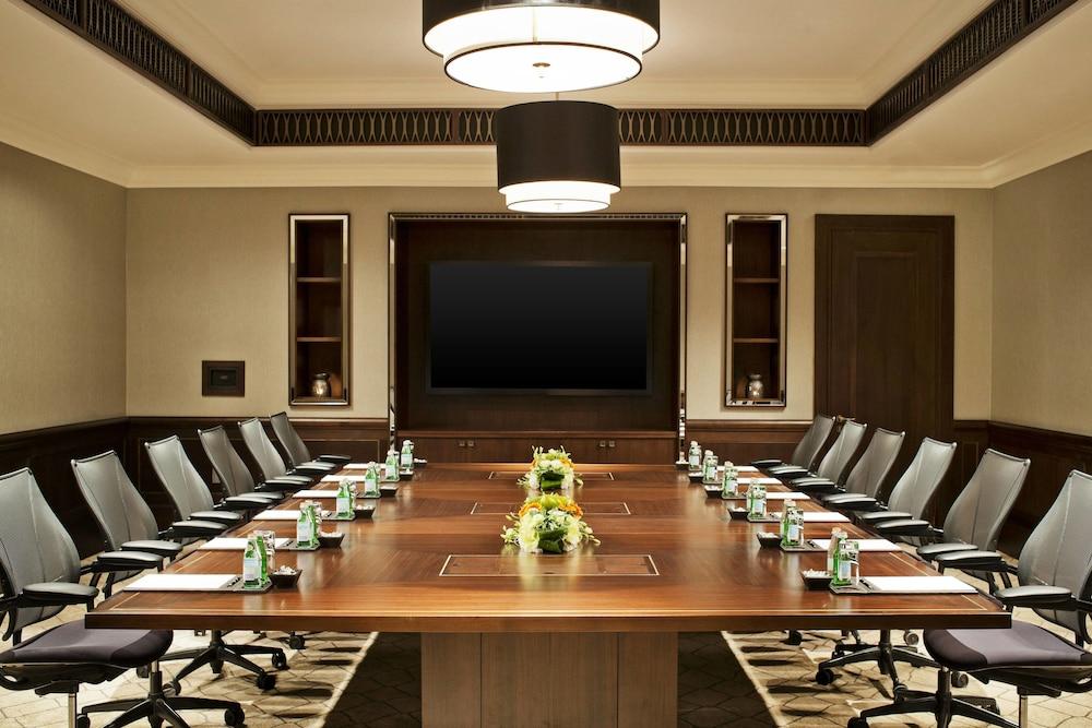더 세인트 레기스 사디얏 아일랜드 리조트, 아부 다비(The St. Regis Saadiyat Island Resort, Abu Dhabi) Hotel Image 144 - Meeting Facility
