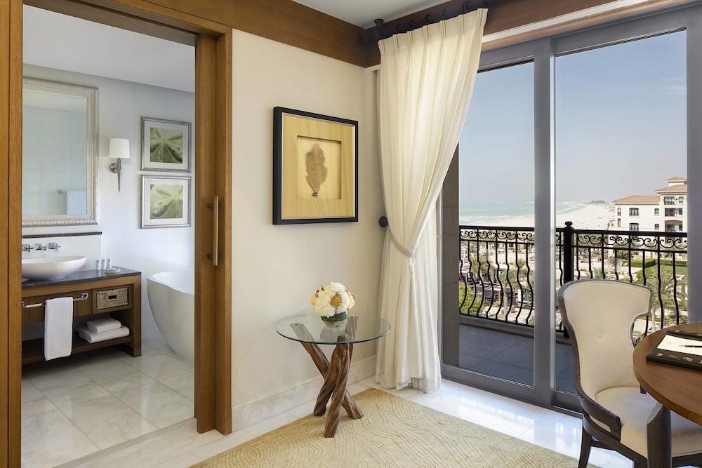 더 세인트 레기스 사디얏 아일랜드 리조트, 아부 다비(The St. Regis Saadiyat Island Resort, Abu Dhabi) Hotel Image 43 - Guestroom