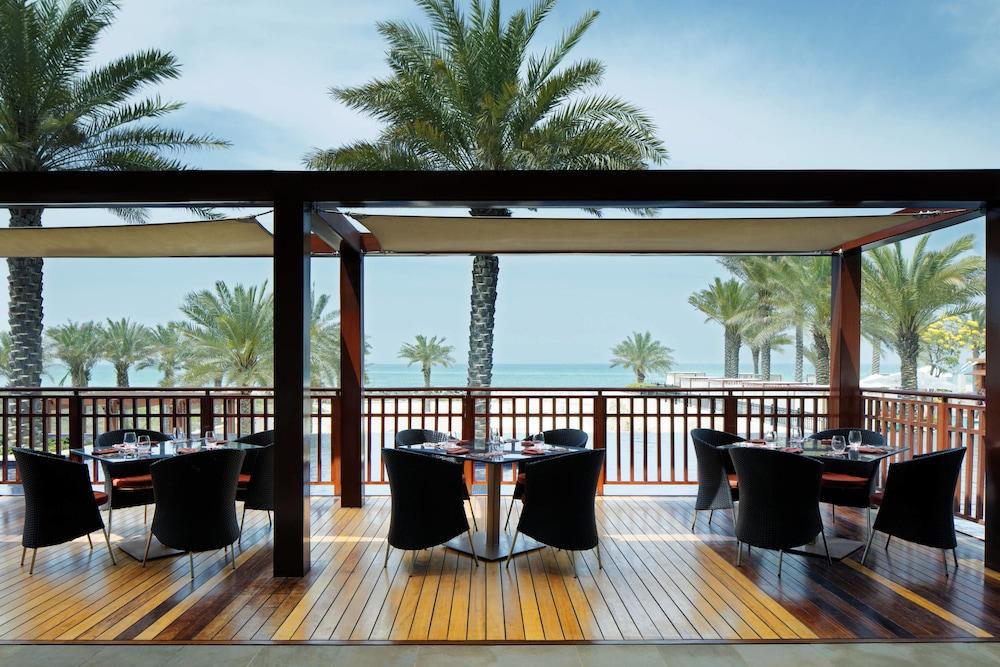 더 세인트 레기스 사디얏 아일랜드 리조트, 아부 다비(The St. Regis Saadiyat Island Resort, Abu Dhabi) Hotel Image 152 - Terrace/Patio