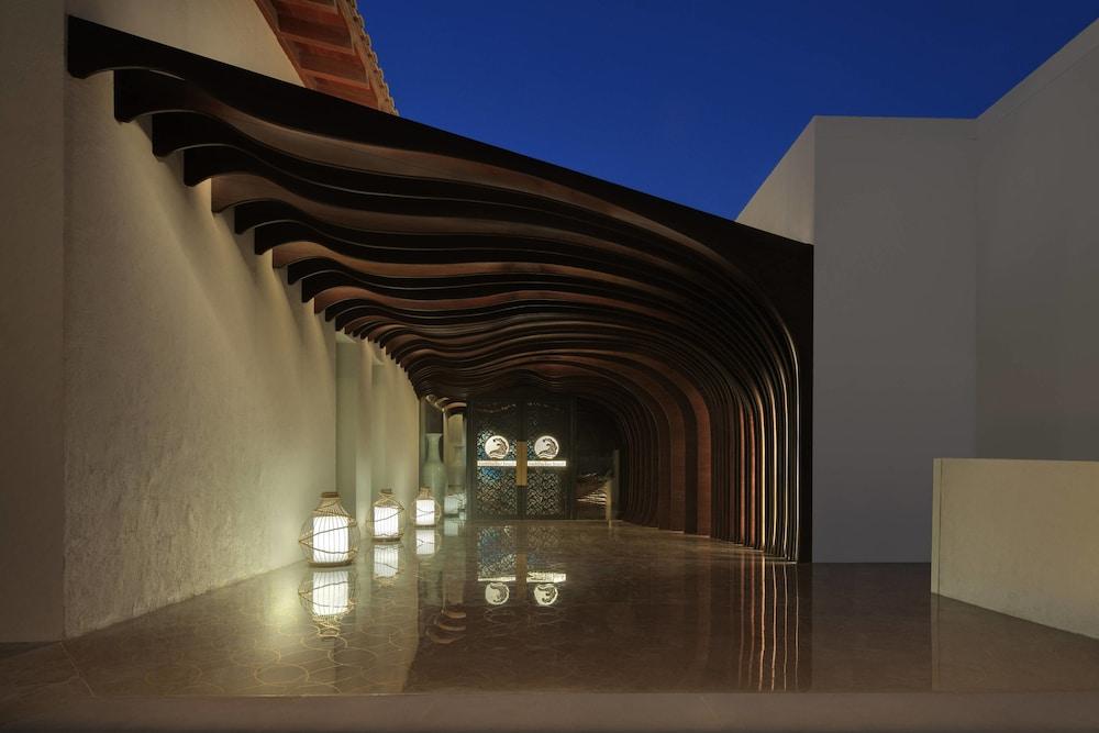 더 세인트 레기스 사디얏 아일랜드 리조트, 아부 다비(The St. Regis Saadiyat Island Resort, Abu Dhabi) Hotel Image 120 - Restaurant