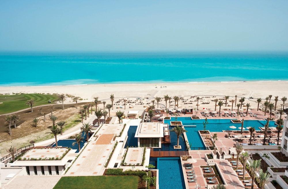 더 세인트 레기스 사디얏 아일랜드 리조트, 아부 다비(The St. Regis Saadiyat Island Resort, Abu Dhabi) Hotel Image 48 - Guestroom View