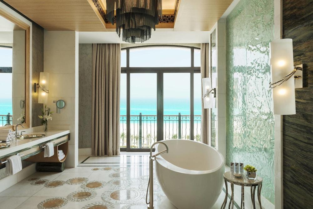 더 세인트 레기스 사디얏 아일랜드 리조트, 아부 다비(The St. Regis Saadiyat Island Resort, Abu Dhabi) Hotel Image 64 - Bathroom