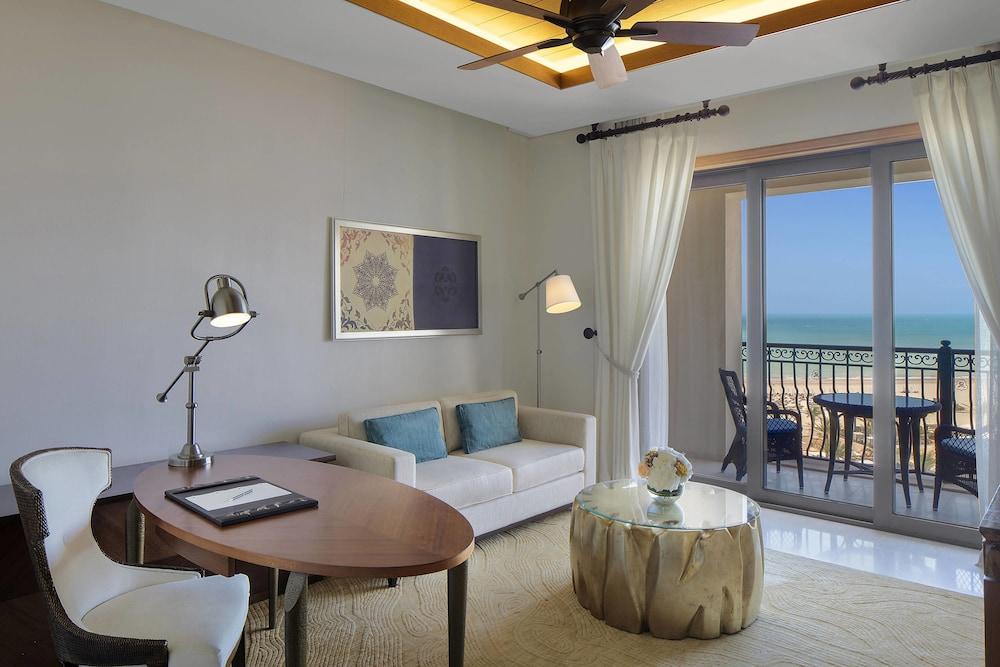 더 세인트 레기스 사디얏 아일랜드 리조트, 아부 다비(The St. Regis Saadiyat Island Resort, Abu Dhabi) Hotel Image 54 - Guestroom View