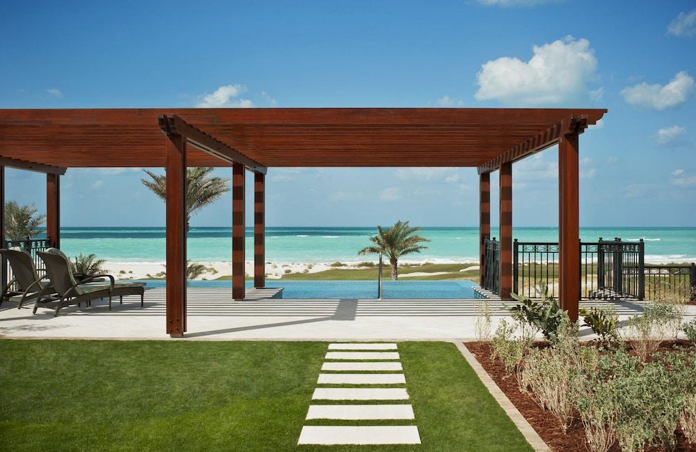 더 세인트 레기스 사디얏 아일랜드 리조트, 아부 다비(The St. Regis Saadiyat Island Resort, Abu Dhabi) Hotel Image 50 - Guestroom View