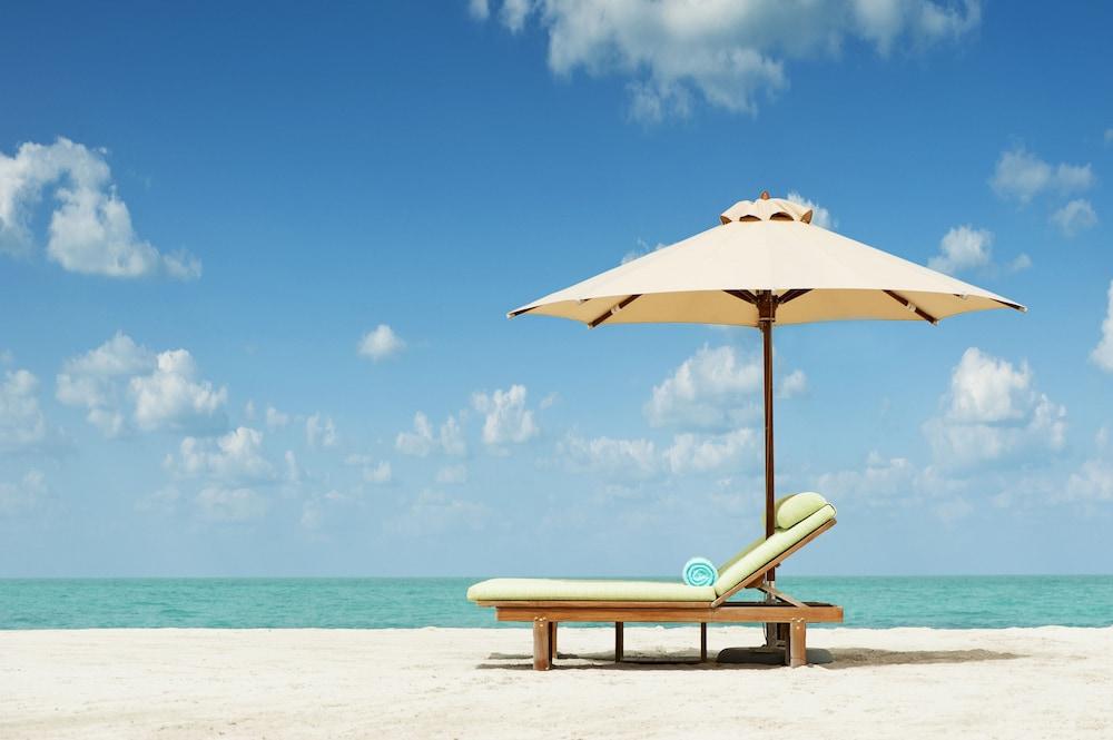 더 세인트 레기스 사디얏 아일랜드 리조트, 아부 다비(The St. Regis Saadiyat Island Resort, Abu Dhabi) Hotel Image 88 - Kayaking