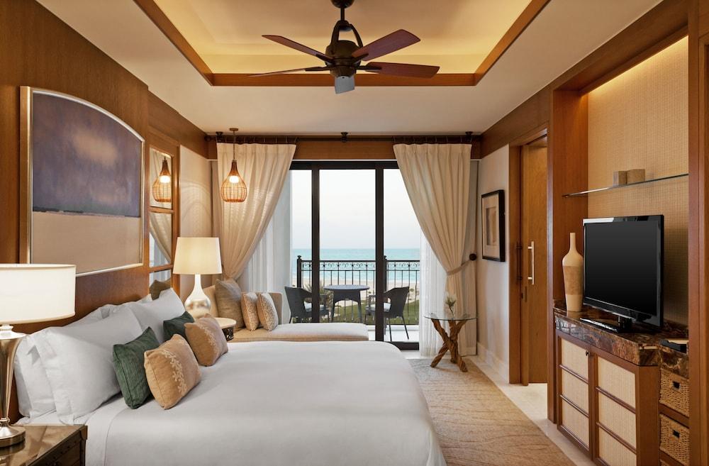 더 세인트 레기스 사디얏 아일랜드 리조트, 아부 다비(The St. Regis Saadiyat Island Resort, Abu Dhabi) Hotel Image 51 - Guestroom View