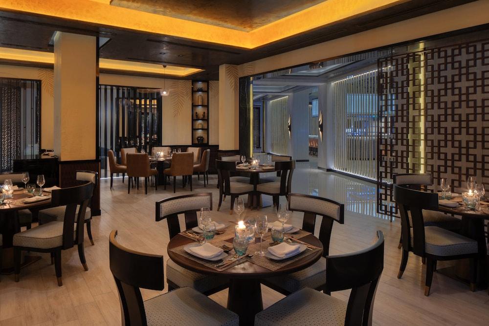 더 세인트 레기스 사디얏 아일랜드 리조트, 아부 다비(The St. Regis Saadiyat Island Resort, Abu Dhabi) Hotel Image 127 - Restaurant