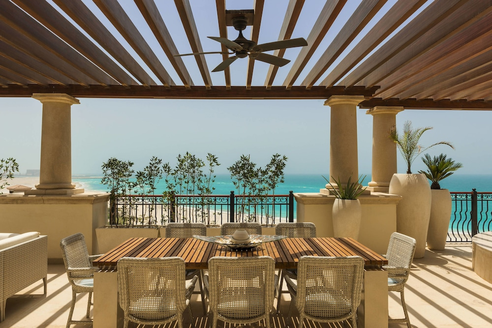 더 세인트 레기스 사디얏 아일랜드 리조트, 아부 다비(The St. Regis Saadiyat Island Resort, Abu Dhabi) Hotel Image 37 - Guestroom