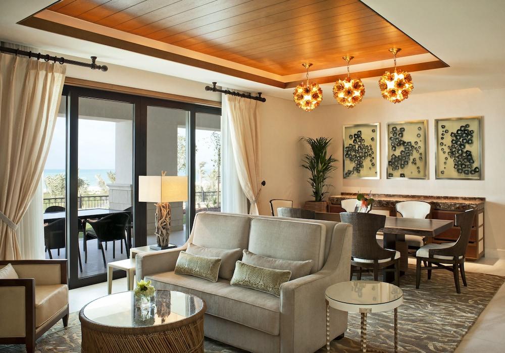 더 세인트 레기스 사디얏 아일랜드 리조트, 아부 다비(The St. Regis Saadiyat Island Resort, Abu Dhabi) Hotel Image 5 - Guestroom