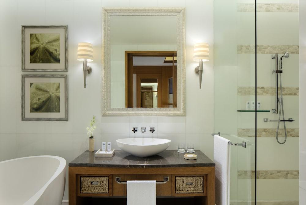 더 세인트 레기스 사디얏 아일랜드 리조트, 아부 다비(The St. Regis Saadiyat Island Resort, Abu Dhabi) Hotel Image 58 - Bathroom