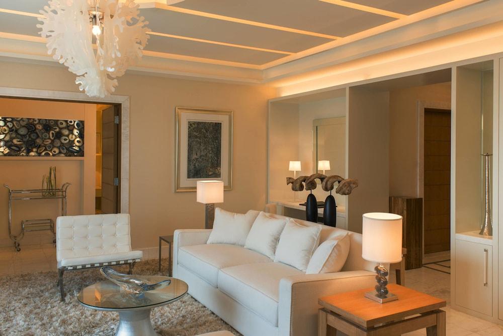 더 세인트 레기스 사디얏 아일랜드 리조트, 아부 다비(The St. Regis Saadiyat Island Resort, Abu Dhabi) Hotel Image 39 - Guestroom