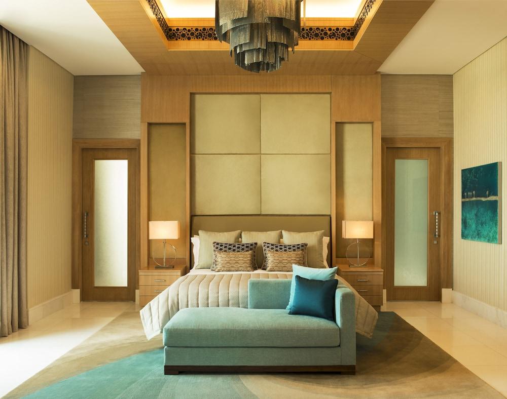 더 세인트 레기스 사디얏 아일랜드 리조트, 아부 다비(The St. Regis Saadiyat Island Resort, Abu Dhabi) Hotel Image 6 - Guestroom
