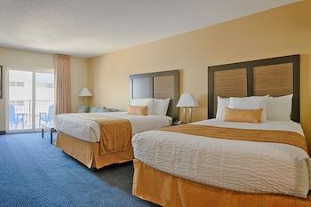 Standard Room, Partial Ocean View (2 Queens & Sofa)