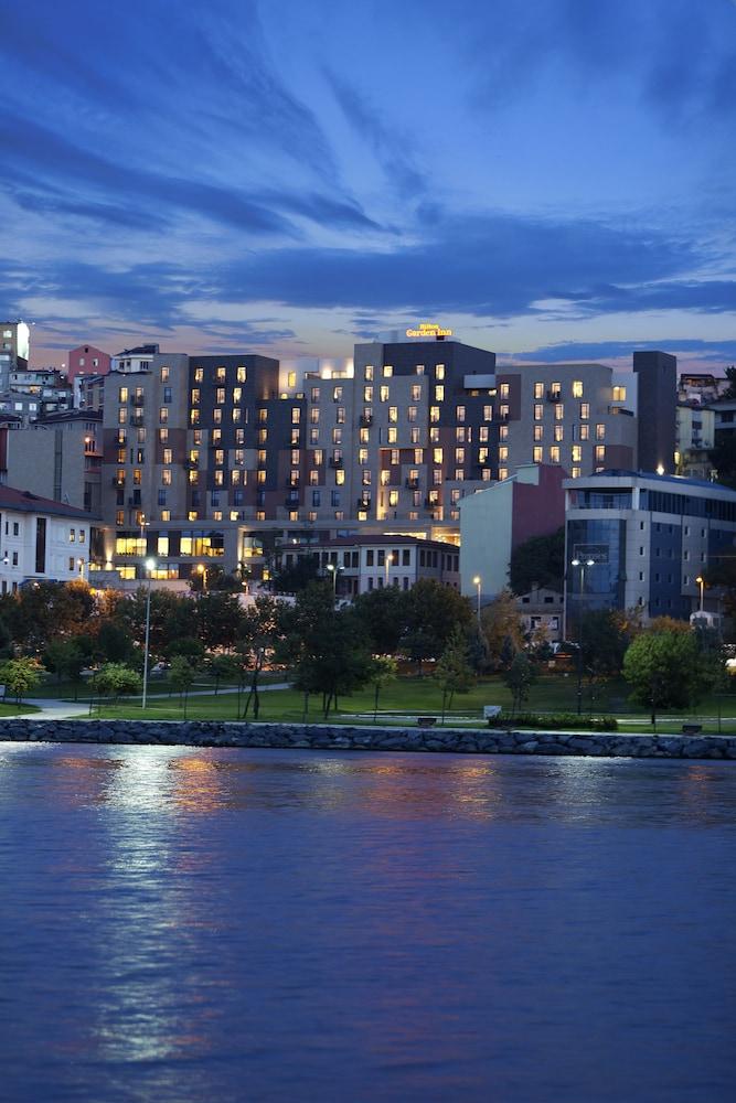 힐튼 가든 인 이스탄불 골든 혼(Hilton Garden Inn Istanbul Golden Horn) Hotel Image 92 - Exterior