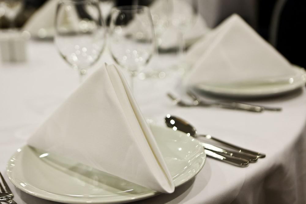 힐튼 가든 인 이스탄불 골든 혼(Hilton Garden Inn Istanbul Golden Horn) Hotel Image 44 - Dining