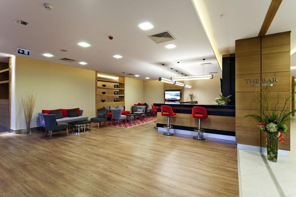 힐튼 가든 인 이스탄불 골든 혼(Hilton Garden Inn Istanbul Golden Horn) Hotel Image 65 - Hotel Bar
