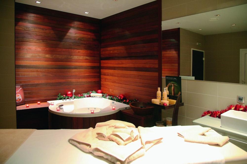 페스타 윈터 팰리스(Festa Winter Palace) Hotel Image 15 - Treatment Room