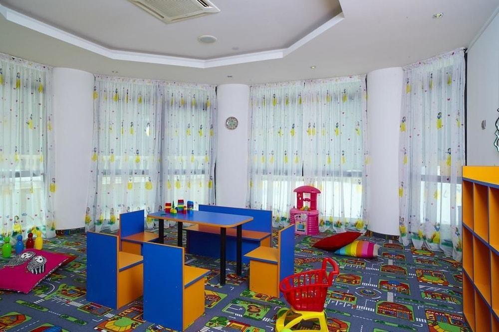 페스타 윈터 팰리스(Festa Winter Palace) Hotel Image 16 - Childrens Area