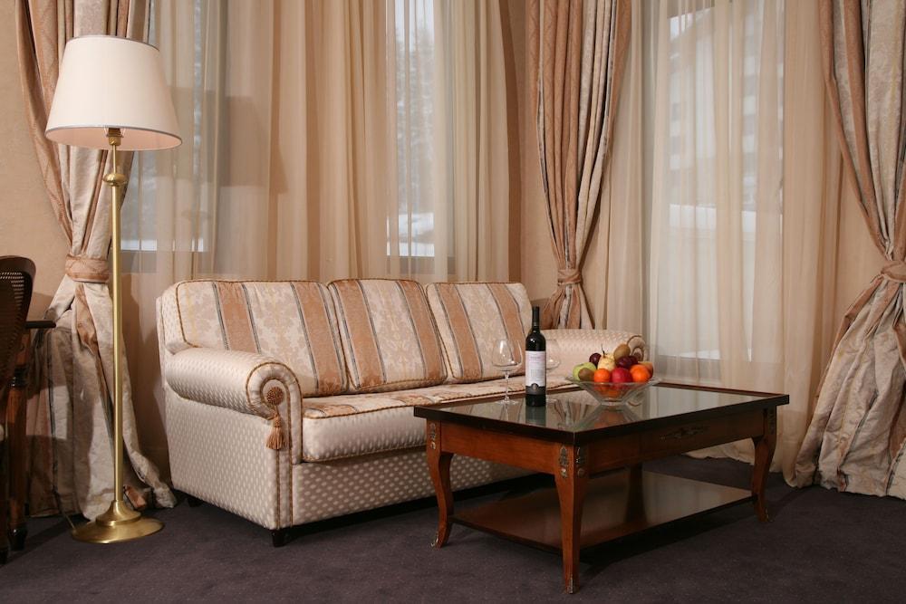 페스타 윈터 팰리스(Festa Winter Palace) Hotel Image 7 - Living Area