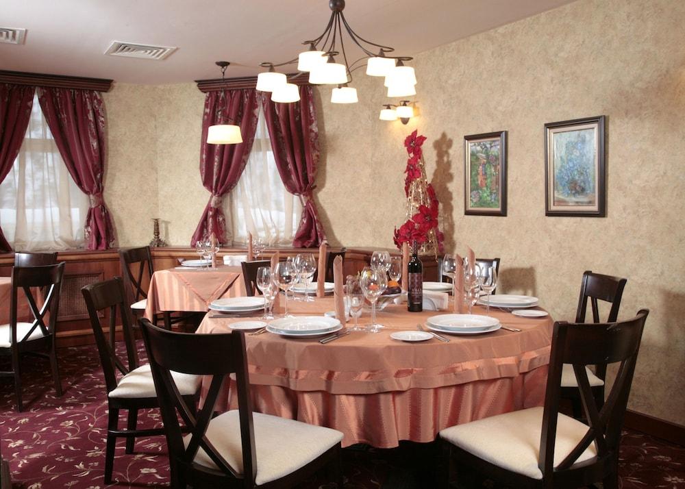 페스타 윈터 팰리스(Festa Winter Palace) Hotel Image 18 - Restaurant
