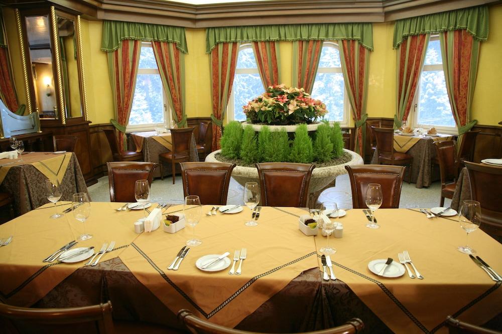 페스타 윈터 팰리스(Festa Winter Palace) Hotel Image 19 - Restaurant