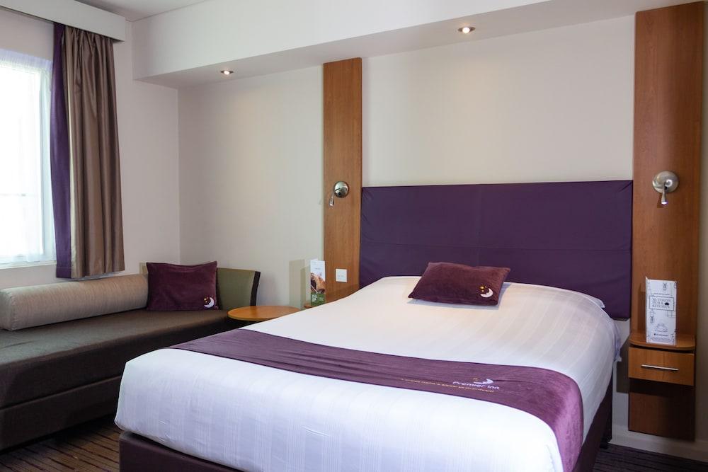 프리미어 인 아부다비 캐피탈 센터(Premier Inn Abu Dhabi Capital Centre) Hotel Image 4 - Guestroom