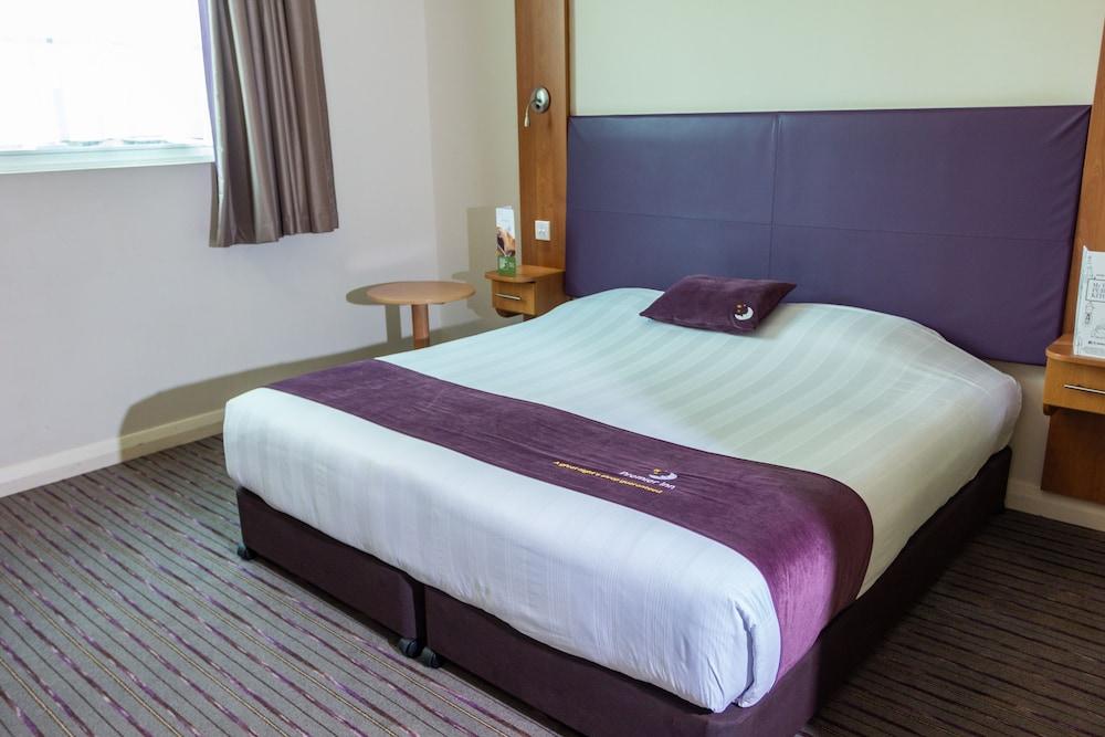 프리미어 인 아부다비 캐피탈 센터(Premier Inn Abu Dhabi Capital Centre) Hotel Image 6 - Guestroom