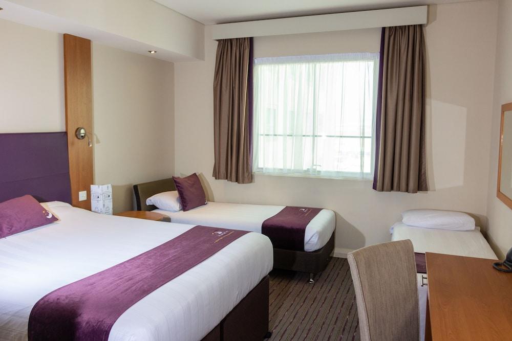 프리미어 인 아부다비 캐피탈 센터(Premier Inn Abu Dhabi Capital Centre) Hotel Image 12 - Guestroom