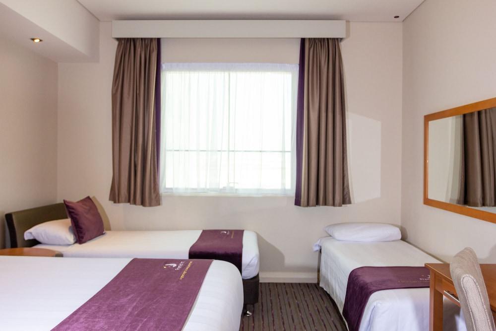 프리미어 인 아부다비 캐피탈 센터(Premier Inn Abu Dhabi Capital Centre) Hotel Image 14 - Guestroom