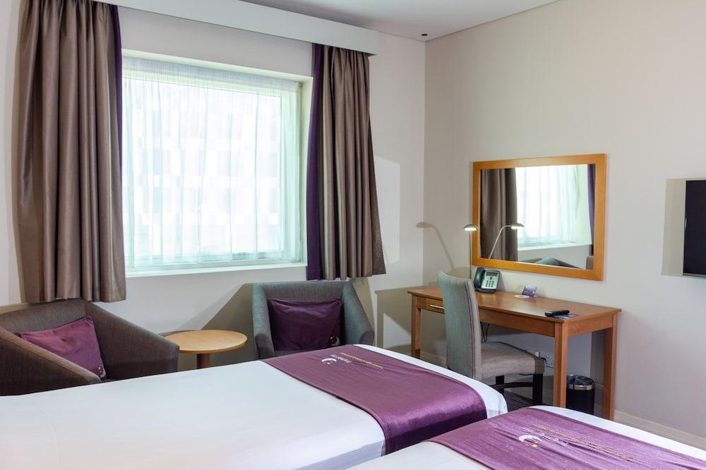 프리미어 인 아부다비 캐피탈 센터(Premier Inn Abu Dhabi Capital Centre) Hotel Image 16 - Guestroom