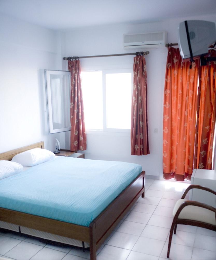 테오 벙갈로우(Theo Bungalows) Hotel Image 6 - Guestroom