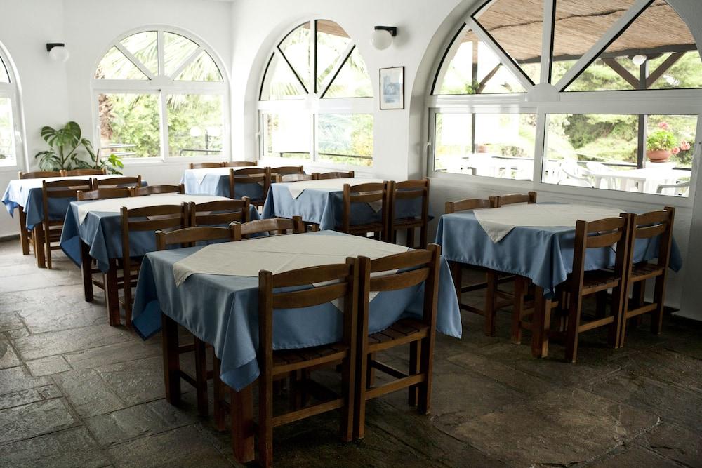 테오 벙갈로우(Theo Bungalows) Hotel Image 16 - Dining