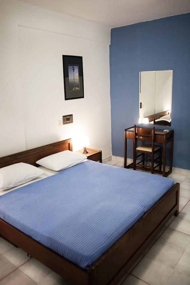 테오 벙갈로우(Theo Bungalows) Hotel Image 2 - Guestroom