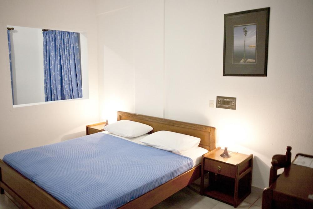 테오 벙갈로우(Theo Bungalows) Hotel Image 3 - Guestroom