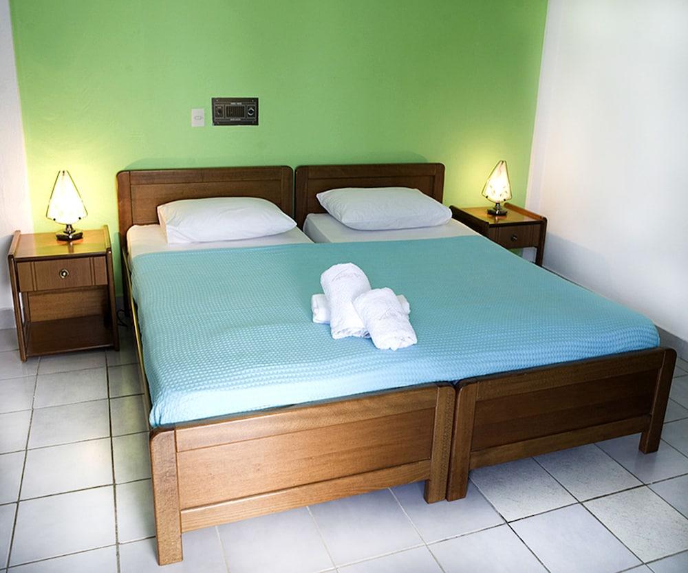 테오 벙갈로우(Theo Bungalows) Hotel Image 7 - Guestroom