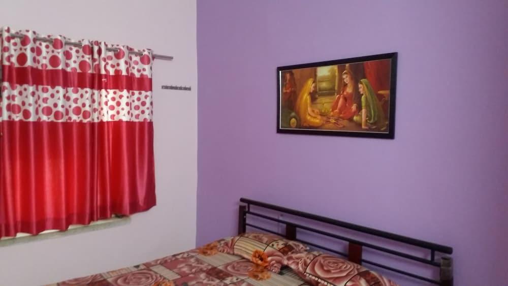 가네샴 게스트 하우스(Ganesham Guest House) Hotel Image 27 - Guestroom View