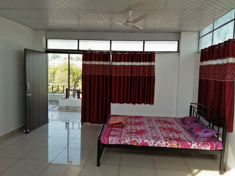 가네샴 게스트 하우스(Ganesham Guest House) Hotel Image 5 - Guestroom