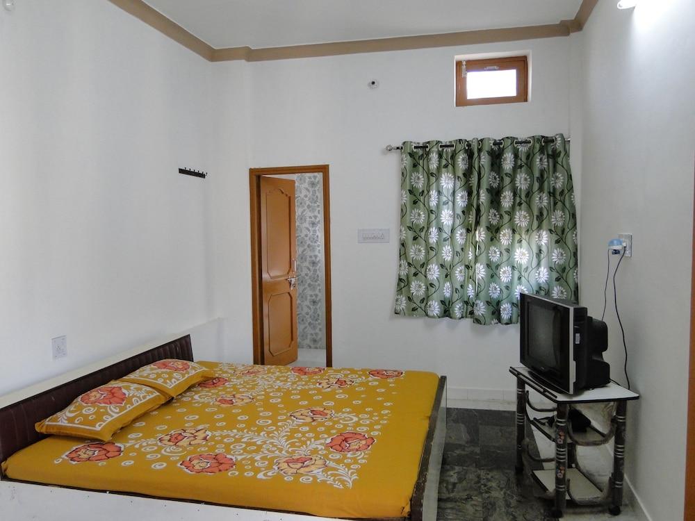 가네샴 게스트 하우스(Ganesham Guest House) Hotel Image 2 - Guestroom