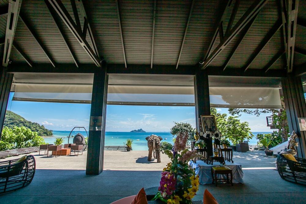 빌라 360(Villa 360) Hotel Image 2 - Lobby Sitting Area